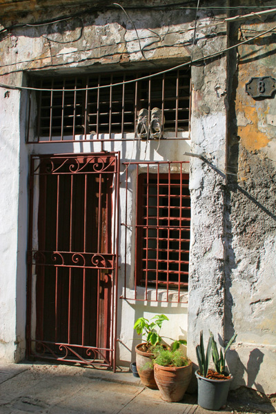 Havana - Down at Heel Doorway