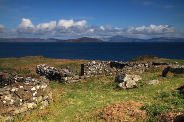 Ruins, Lunga - clearance village?