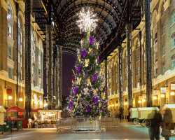 Hay's Galleria at Christmas