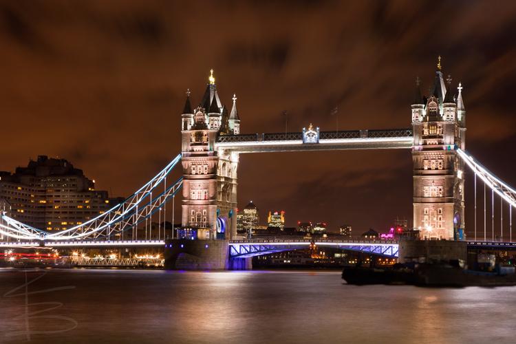 Nighttime at Tower Bridge