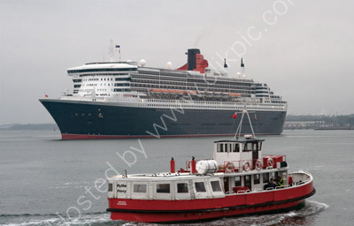 Queen Mary 2  & Hythe Ferry