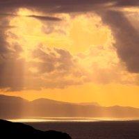 Sunshafts over Rum, Skye