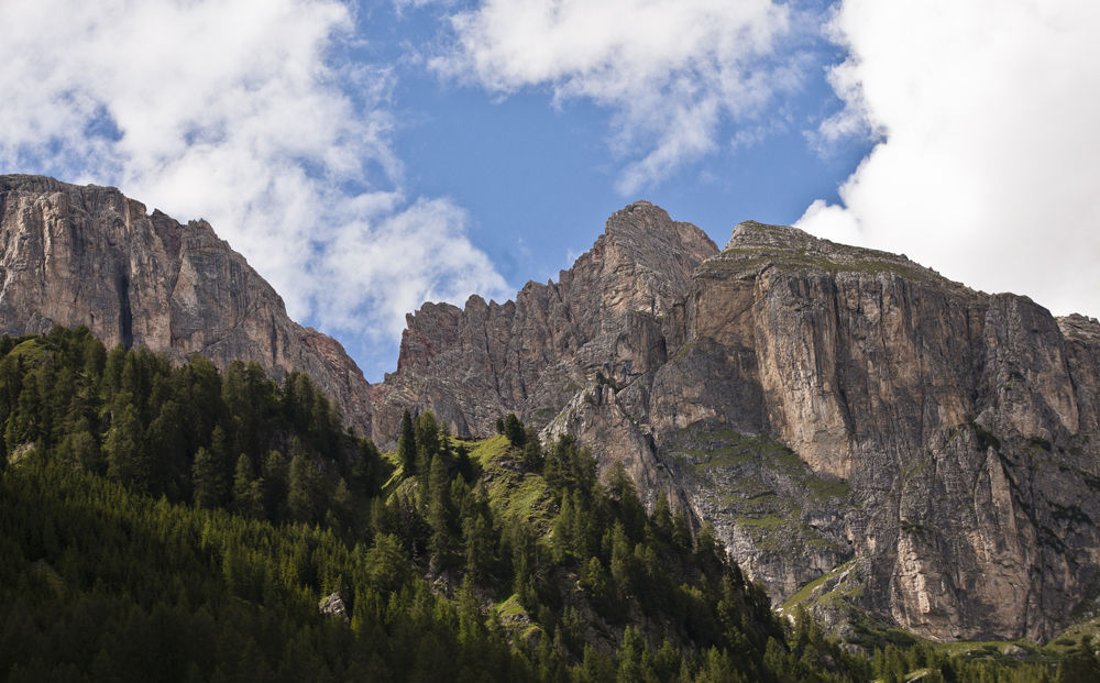 Buttress, Dolomites.