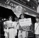 Young strikers outside Jameson Jewellers, Dublin