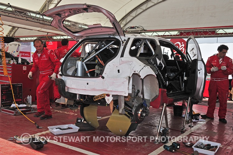 Meeke's car repaired after shakedown roll