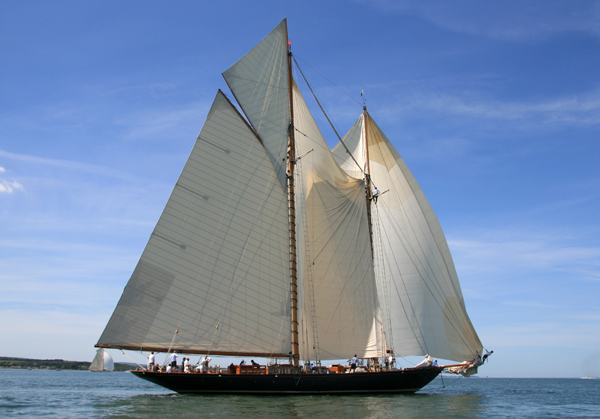 Mariette- LOA 138 feet. Built 1915.