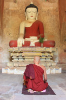 Monk Praying, Su-Ma-La-Ni Phato, Bagan