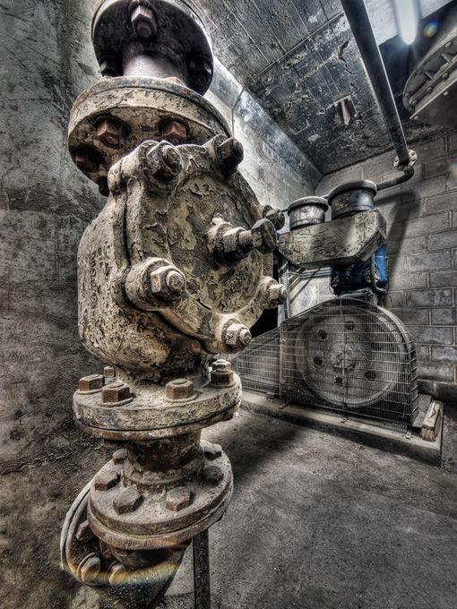 Non return valve and compressor