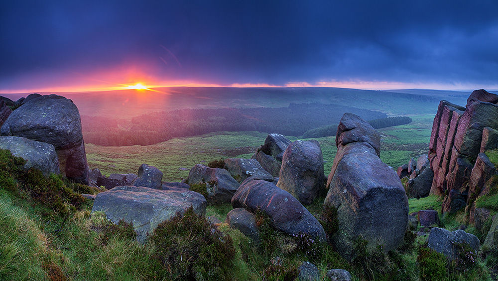 Summer sunrise on Higger Tor