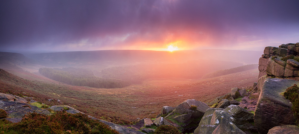 Autumn sunrise over Higger Tor