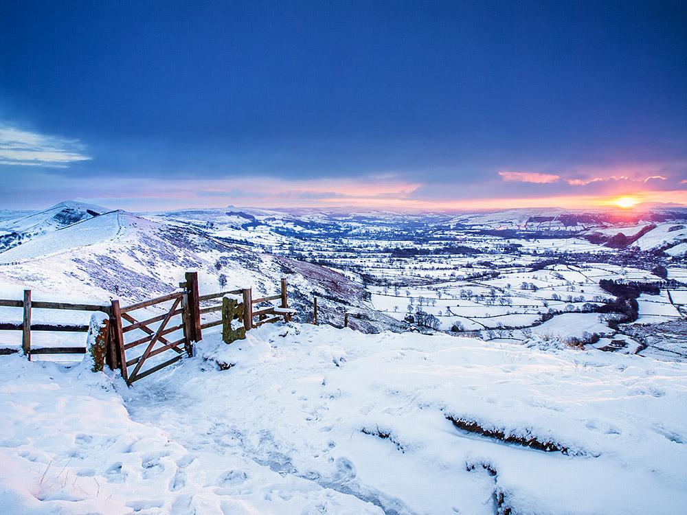 Winter sunrise on Mam Tor ridge
