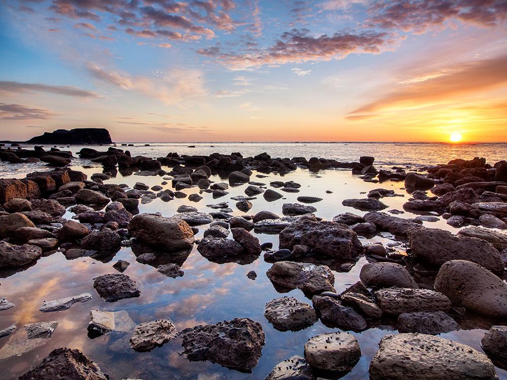 Saltwick Bay sunrise
