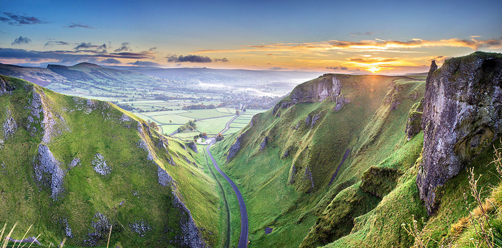 Sunrise over Winnats pass - Derbyshire