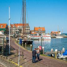 8021-Volendam harbour
