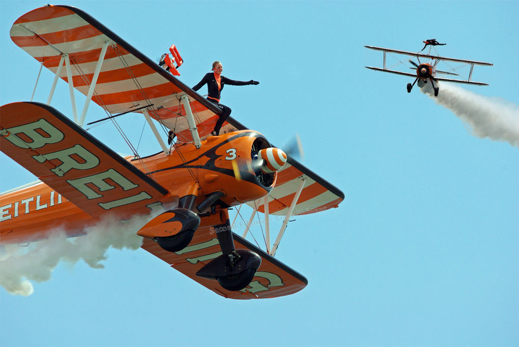 Bretling Wing Walkers