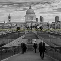 Millennium Bridge London (in Mono)