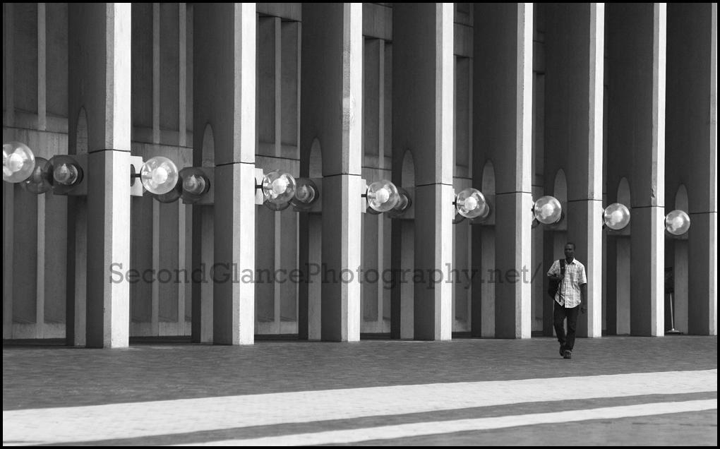 No.10 Between the pillars (Concourse Stroller)
