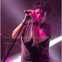 Numan in full flow