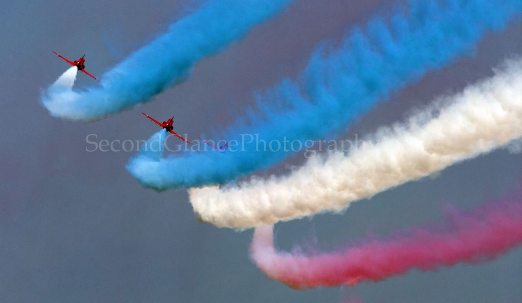 Red arrows feading home