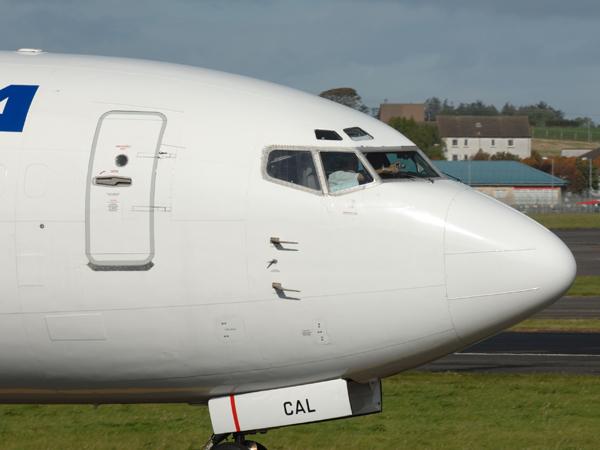 Futura     Boeing 737-33A     CC-CAL