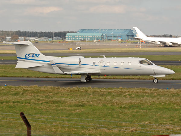 Omni Aviacao Tecnologia     Learjet 31    CS-DDZ