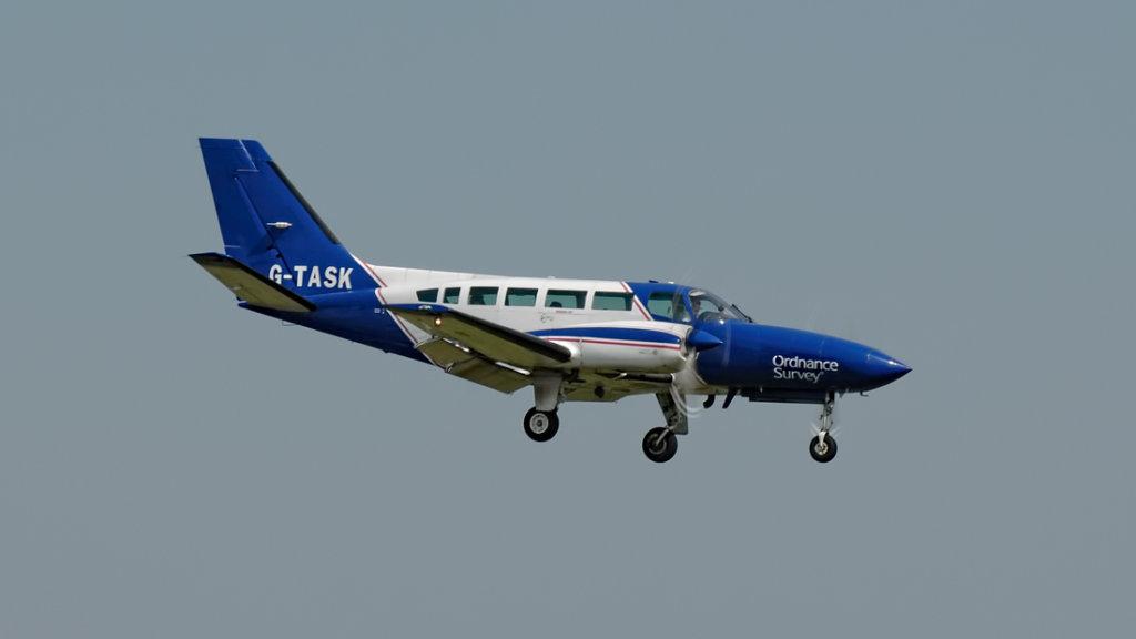 Cessna 404 Titan  G-TASK