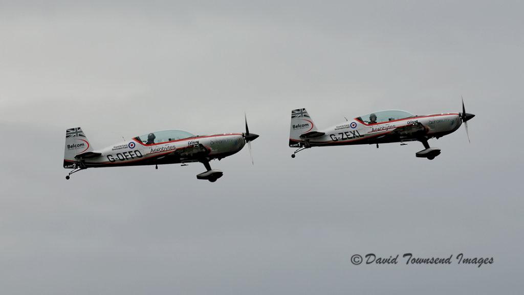 Extra EA-300/L    G-OFFO  G-ZEXL