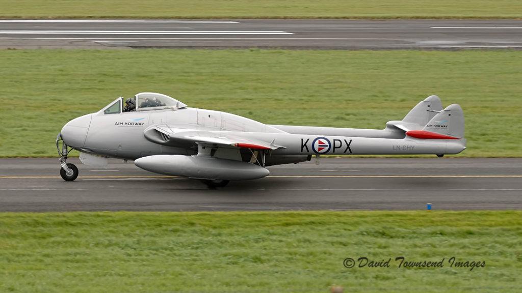De Havilland Vampire FB.6  LN-DHY