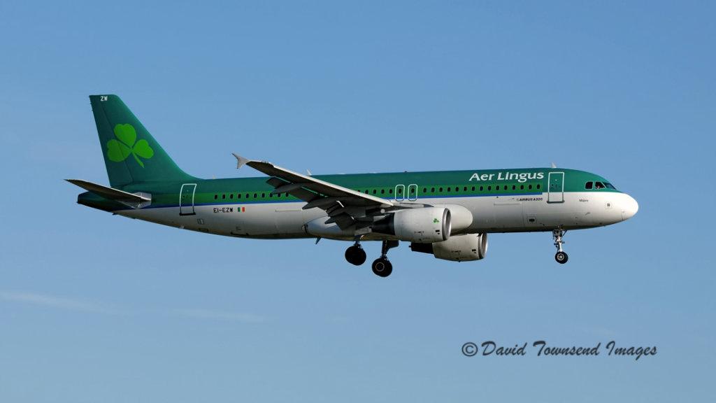 Aer Lingus  Airbus A320-214    EI-EZW