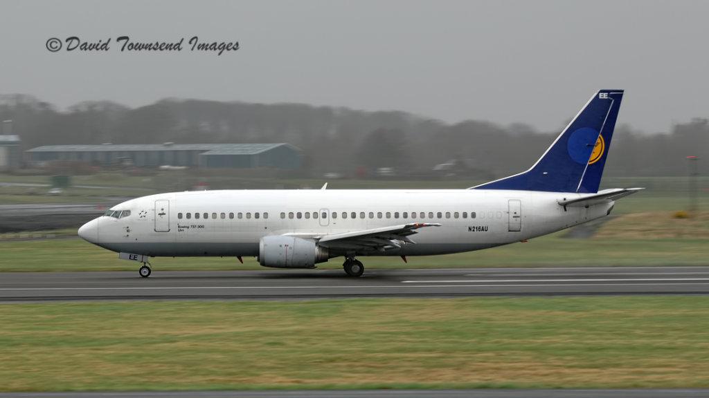 Automatic LLC   Boeing 737 - 330   N216AU