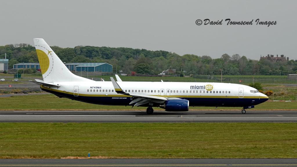 Miami Air International   Boeing 737-8HX   N749MA