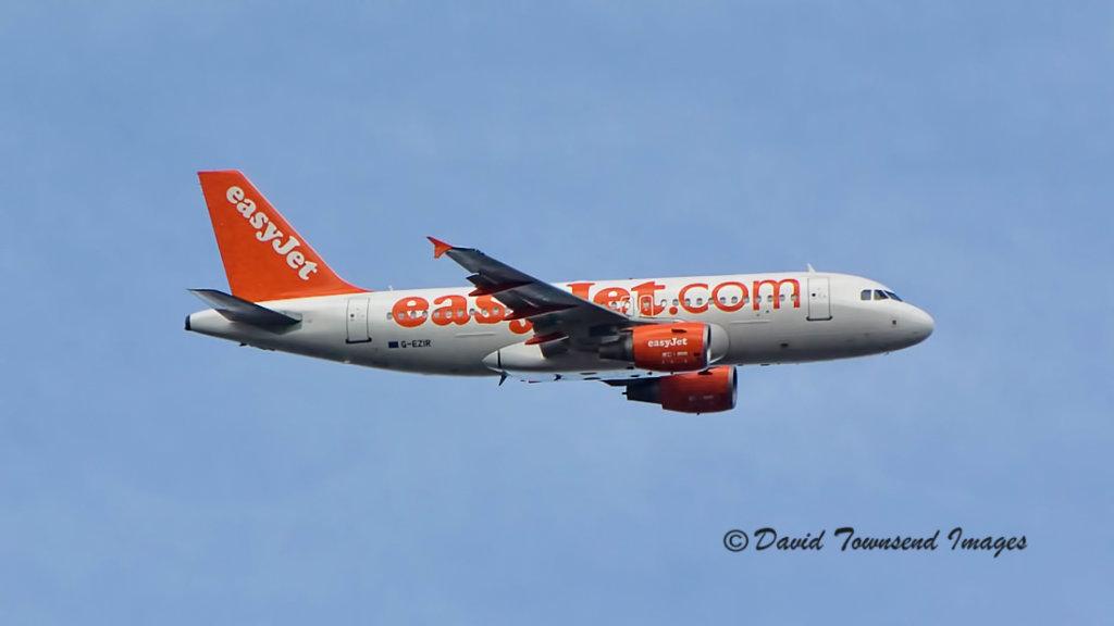 Easyjet  Airbus A319-111   G-EZIR