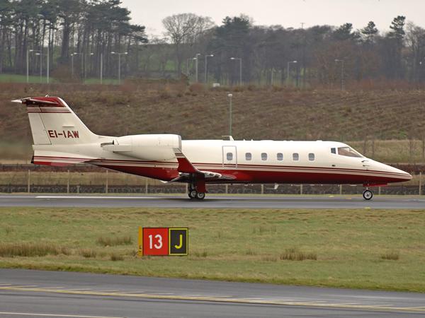 Learjet 60    EI-IAW