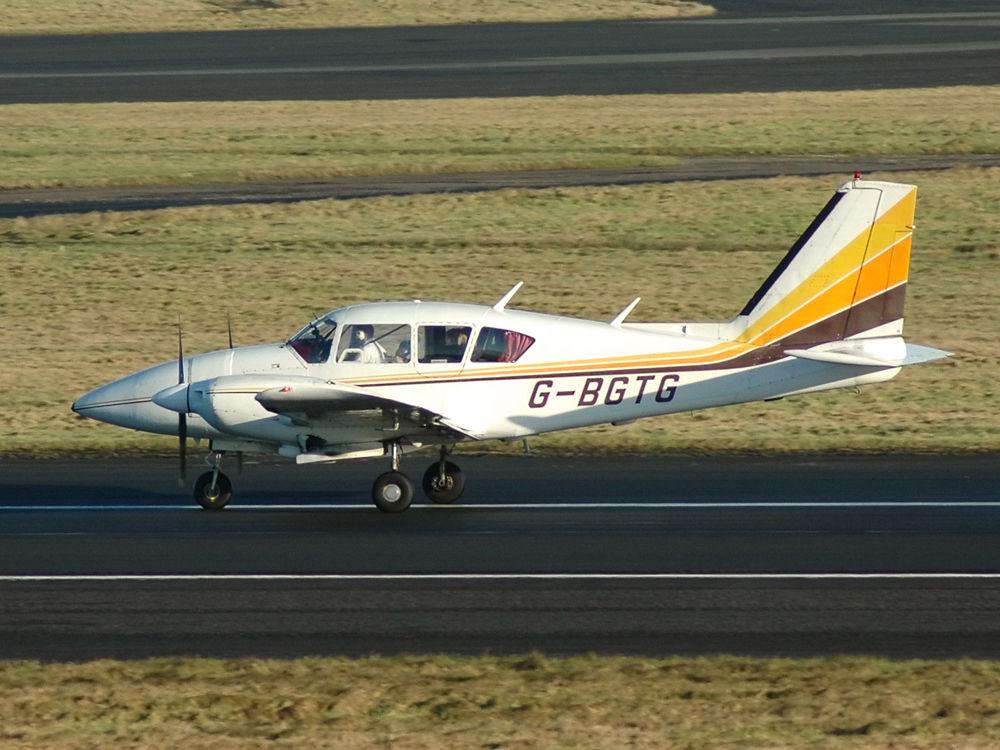 PA-23 Aztec 250F G-BGTG