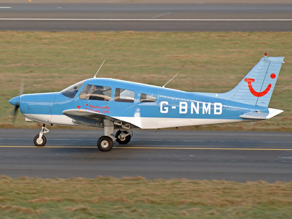 PA-28-151    G-BNMB