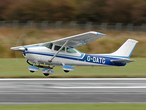 Reims Cessna F182P    G-DATG