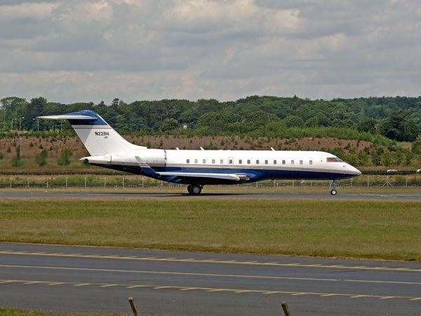 Bombardier BD-700-1A10   N228H