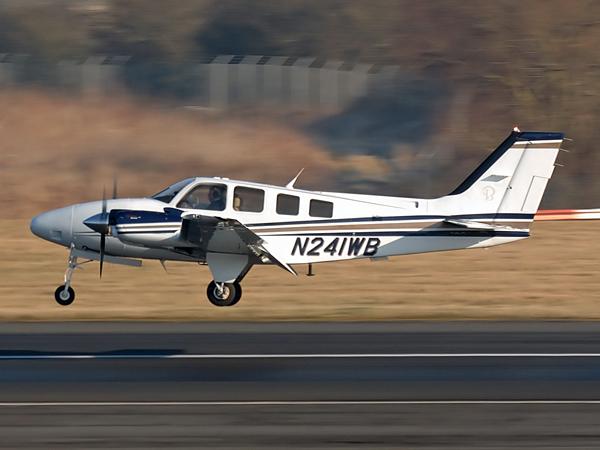 Hawker Beechcraft Corp    G58    N241WB