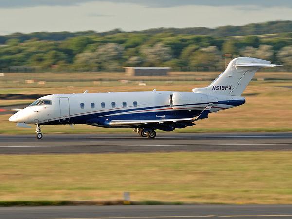 Bombardier  BD-100-1A10  CL30    N519FX