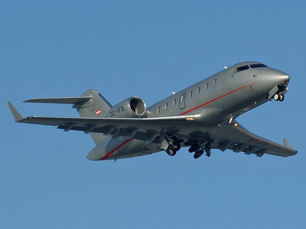 Bombadier  CL-600-2B16 Challenger 605     OE-IFB