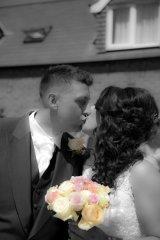 22.6 Mr & Mrs Wilkinson Kiss