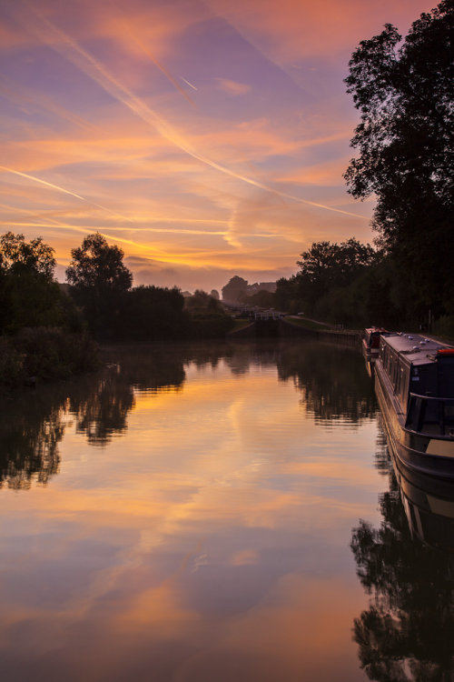 Caen Hill Locks Sunrise