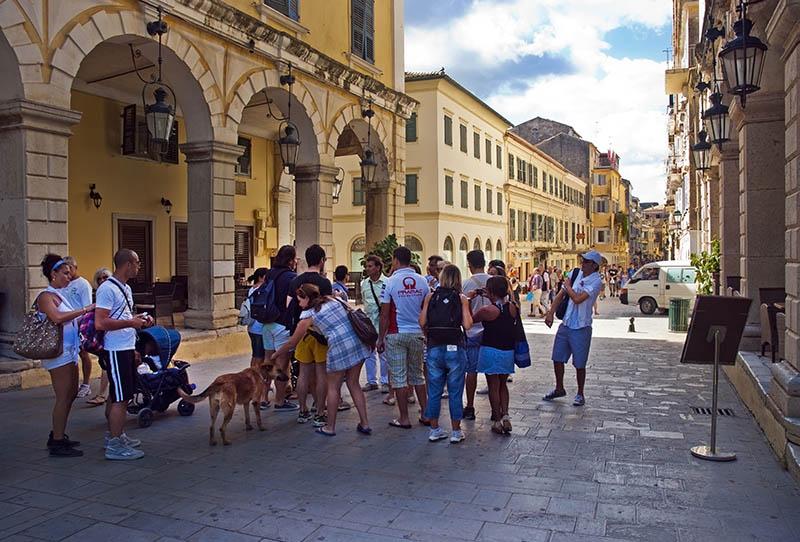 Corfu Town. (b)