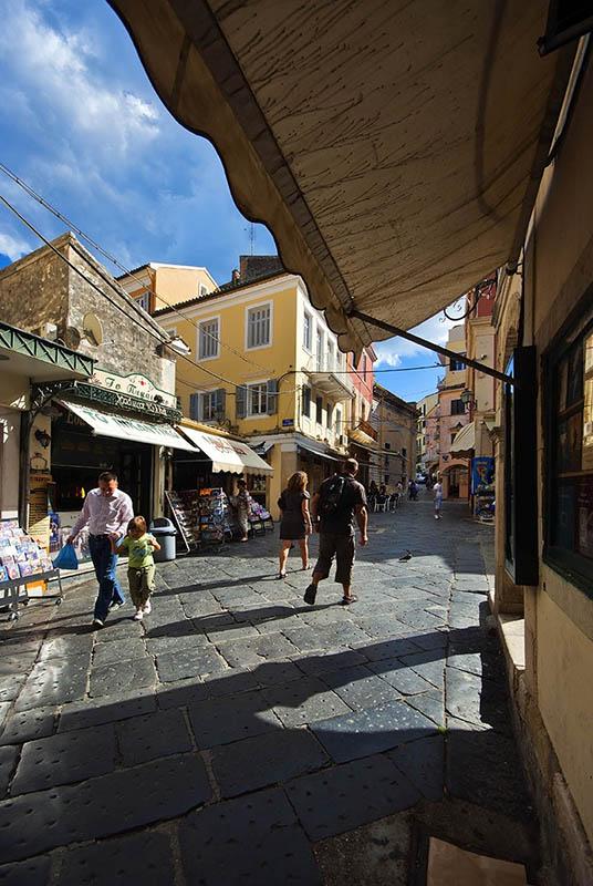 Corfu Town. (c)
