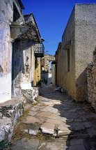 A street in Old Allonissos. (b)