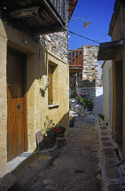 A street in Old Allonossos. (a)