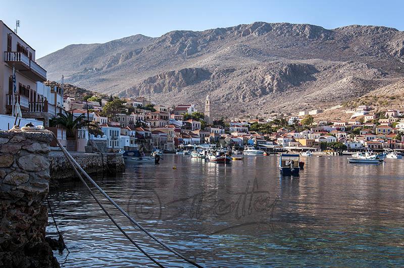 Emborio Bay. (a).