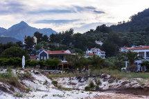 Golden Beach. (e)
