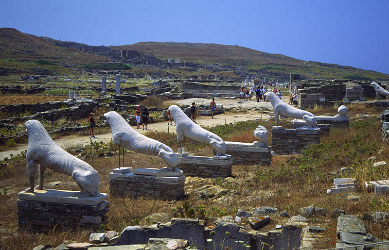 Lion statues at Delos.