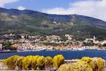 Vathi Harbour. (b)